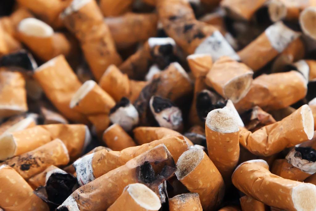 cigarette-smoke-ashtray