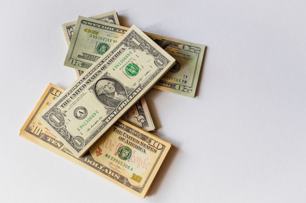 Is it better to use a direct lender for short term loans?